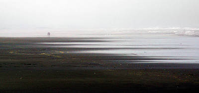 Photograph - Beach Runners by Thomas Bomstad