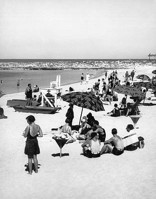 Beach Scenes Photograph - Beach Scene At Cape Cod by Underwood Archives