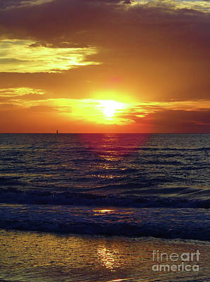Photograph - Beach Sunset Beauty by D Hackett