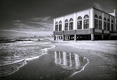 Photograph - Beach View Of Oc Music Pier by Carolyn Derstine