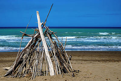 Photograph - Beach With Wooden Tent - Spiaggia Con Tenda Di Legno by Enrico Pelos