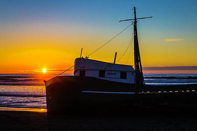Beached Boat At Sunset Print by Garry Gay