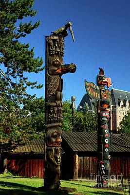 Photograph - Beacon Hill Park Totem  by Christiane Schulze Art And Photography