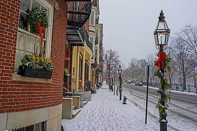 Photograph - Beacon Street In Boston At Christmas by Toby McGuire
