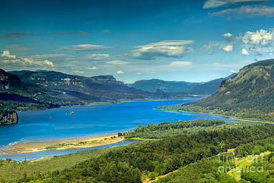Photograph - Beautiful Columbia River Gorge by Robert Bales