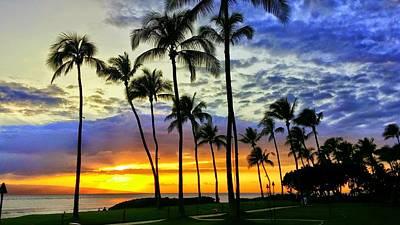 Photograph - Beautiful Maui Hawaii Sunset by Richard Yates