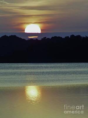 Photograph - Beautiful Sun by D Hackett
