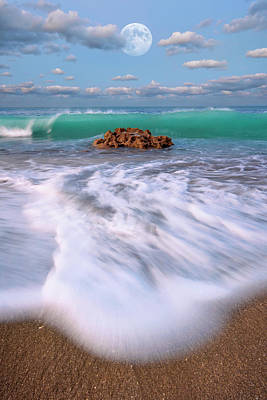 Beautiful Waves Under Full Moon At Coral Cove Beach In Jupiter, Florida Art Print