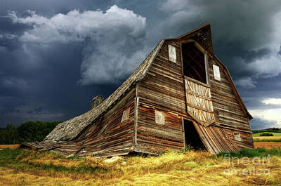 Photograph - Beauty Of Barns 11 by Bob Christopher