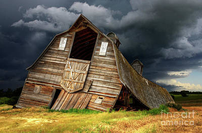 Photograph - Beauty Of Barns 12 by Bob Christopher