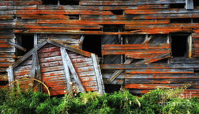 Photograph - Beauty Of Barns 7 by Bob Christopher