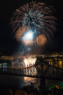 Lake Station Photograph - Beaver County Fireworks 2 by Emmanuel Panagiotakis