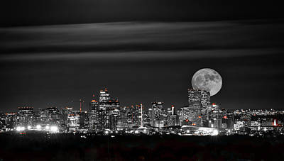 Photograph - Beaver Moonrise In B And W by Kristal Kraft