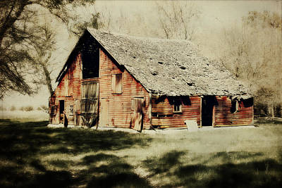 Barns Digital Art - Beckys Barn 1 by Julie Hamilton
