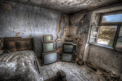 Abandoned Digital Art - Bed Time Tv by Nathan Wright