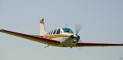 Beechcraft Bonanza Photograph - Beechcraft At Reklaw by Phil Rispin