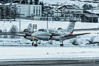 Airbus Photograph - Beechcraft Super King Air B200 D-iice by Roberto Chiartano