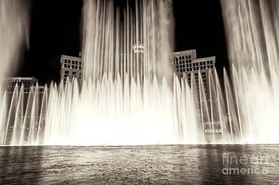 Photograph - Bellagio Fountain Dance Vi by John Rizzuto