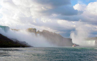 Photograph - Below Niagara by Michelle McPhillips