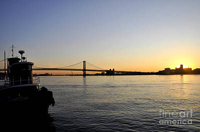 Photograph - Ben Franklin Bridge At Sunrise 2 by Andrew Dinh