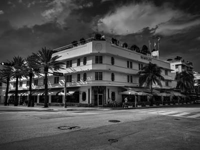 Art Deco Photograph - Bentley Hotel South Beach 001 Bw by Lance Vaughn