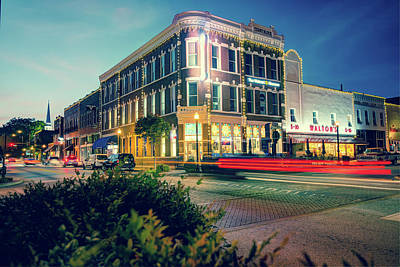 Cafes At Night Photograph - Bentonville Arkansas Downtown Square At Dusk by Gregory Ballos