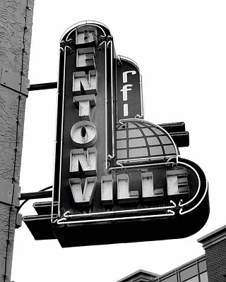 Photograph - Bentonville Sign Black And White - Photography by Ann Powell