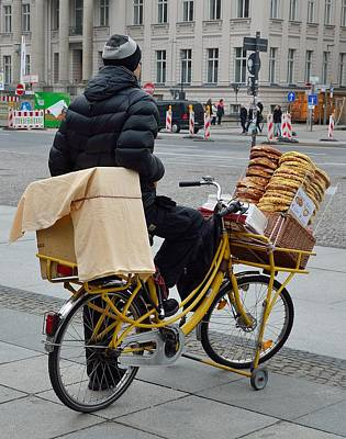 Photograph - Berlin Pretzel Man by Steven Richman