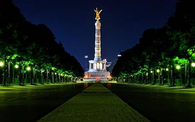 Landmark Digital Art - Berlin Victory Column by Super Lovely