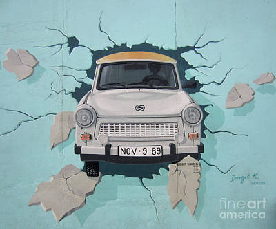 Photograph - Berlin Wall Art 5 by Rudi Prott