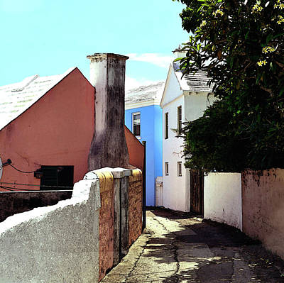 Photograph - Bermuda Backstreet by Richard Ortolano