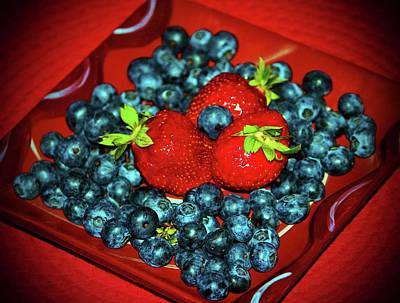 Photograph - Berries For You by Cynthia Guinn