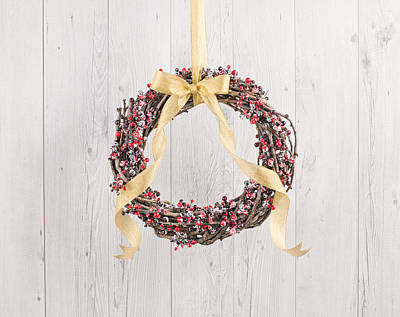 Photograph - Berry Decorated Wreath by Ulrich Schade