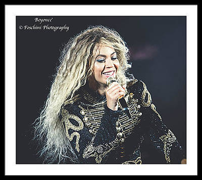 Rihanna Photograph - Beyonce by Vincent Foschini