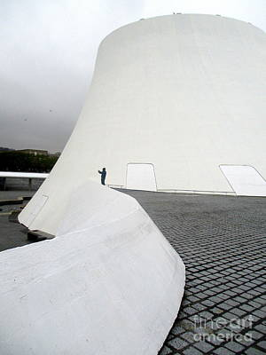 Photograph - Bibliotheque Oscar Niemeyer 4 by Randall Weidner