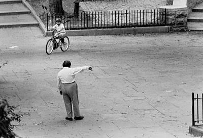 Photograph - Bicycle Lesson Schurz Park by Dave Beckerman