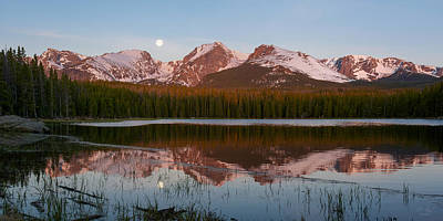 Photograph - Bierstadt Lake Sunrise - Rocky Mountain National Park by Aaron Spong
