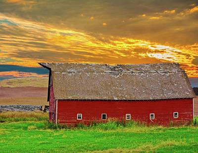 Photograph - Big Sky Country Barn by Randall Branham