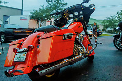 Photograph - Bike2 by Les Greenwood
