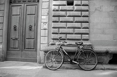 Photograph - Bile In Florence Italy  by John McGraw