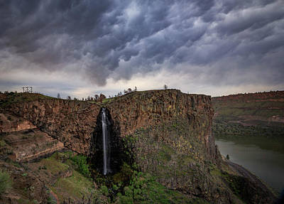Oregon State Photograph - Billy Chinook Falls by Cat Connor