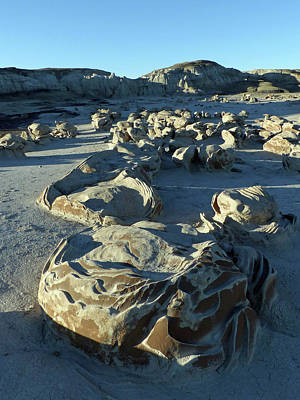 Photograph - Bisti Wilderness Area At Sunup 31 by Jeff Brunton