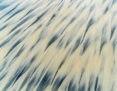 Eric Smith Photograph - Black And Gold Sand Abstract by Eric Smith