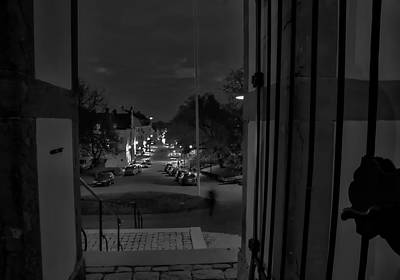 Photograph - Black And White 5 Pm by Leif Sohlman