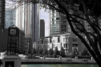 Photograph - Black And White And Color Chicago Courtyard - 200420 by TNT Images
