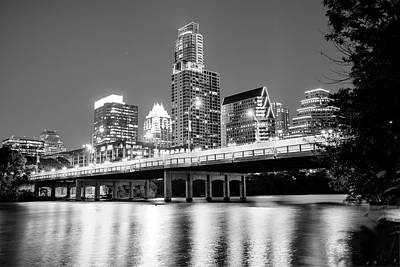 Black And White Austin Skyline On The River - Texas Capitol Art Print