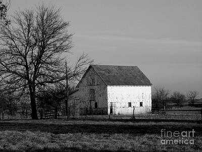 Black And White Barn Ll Art Print by Michelle Hastings