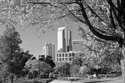 Charlotte Photograph - Black And White Charlotte's Wells Fargo by Jill Lang