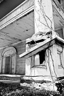 Photograph - Black And White Dilapidated Home by Jill Lang
