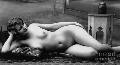 Sensual Female Photograph - Black And White Photo Of Female Erotic Nude by French School